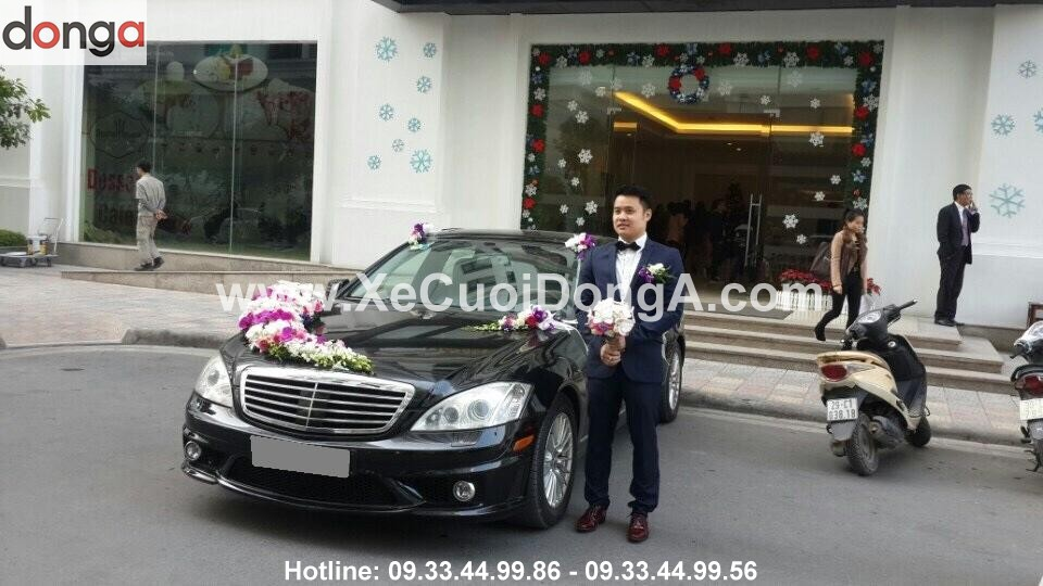 Hinh-anh-khach-hang-thue-xe-cuoi-mercedes-S (1)