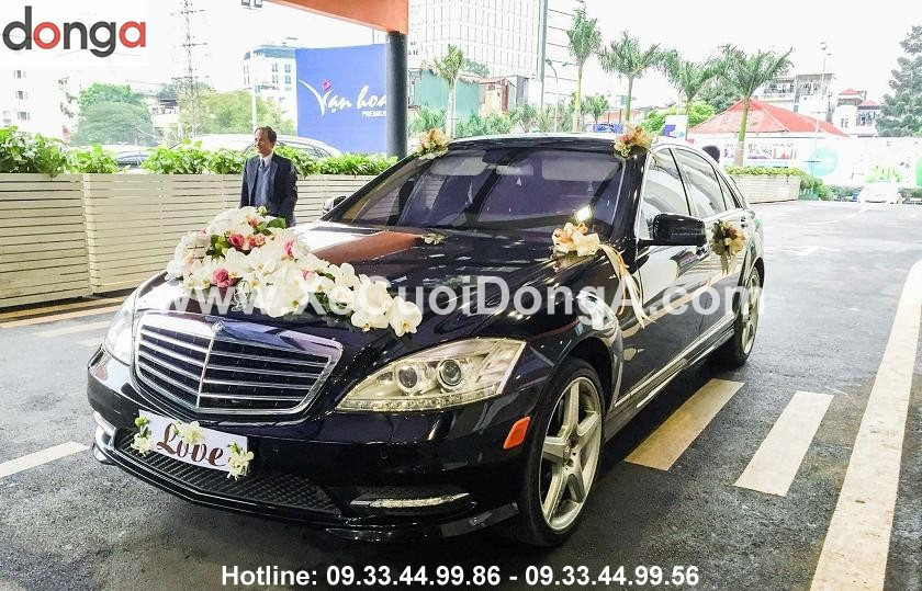 Hinh-anh-khach-hang-thue-xe-cuoi-mercedes-S (2)
