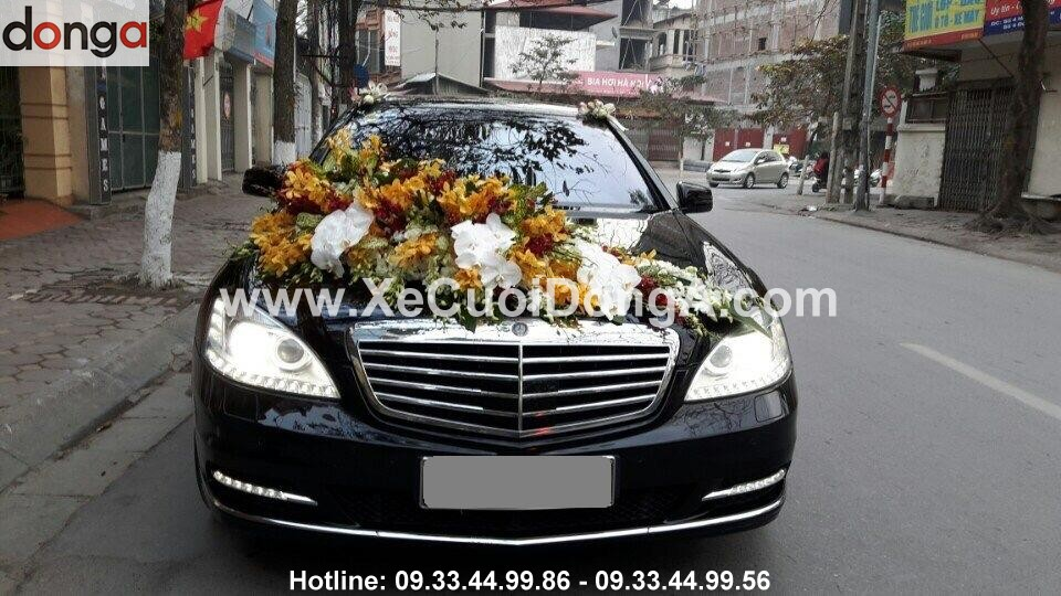 Hinh-anh-khach-hang-thue-xe-cuoi-mercedes-S (4)