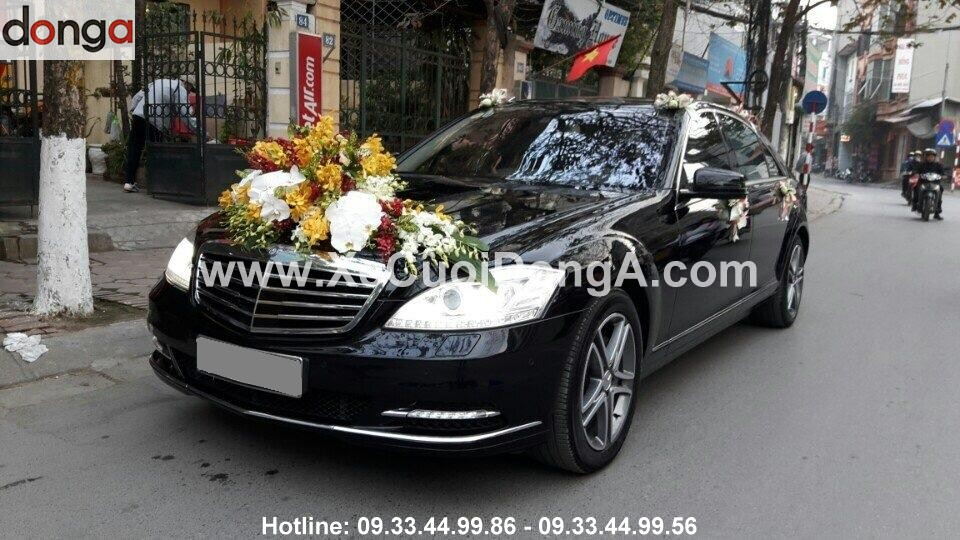 Hinh-anh-khach-hang-thue-xe-cuoi-mercedes-S (5)