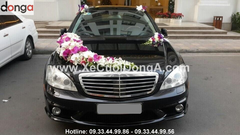 Hinh-anh-khach-hang-thue-xe-cuoi-mercedes-S