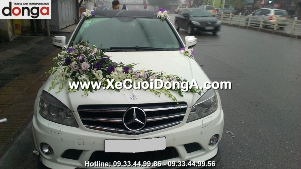 cho-thue-xe-cuoi-mercedes-c63-amg-xe-cuoi-dong-a (4)
