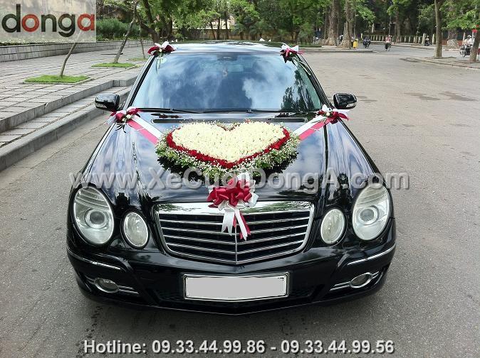 cho-thue-xe-cuoi-mercedes-e280-xe-cuoi-dong-a
