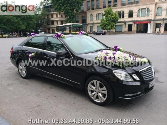 cho-thue-xe-cuoi-mercedes-e300-xe-cuoi-dong-a (7)