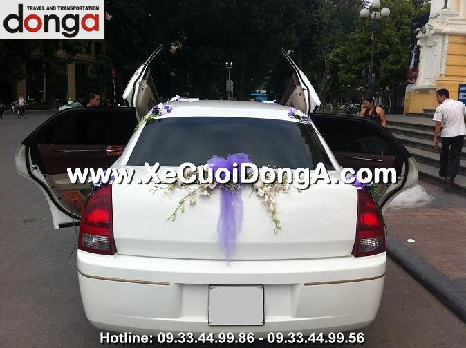 dam-cuoi-xe-cuoi-chrysler limousine-3-khoang (2)