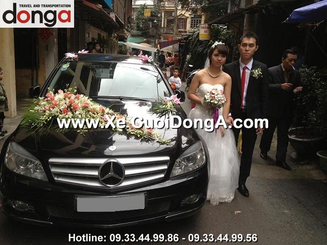 dam-cuoi-xe-cuoi-mercedes-c200-den-phung-chi-kien