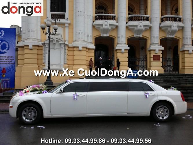 dan-xe-cuoi-chrysler-limousine-300c-trang (1)