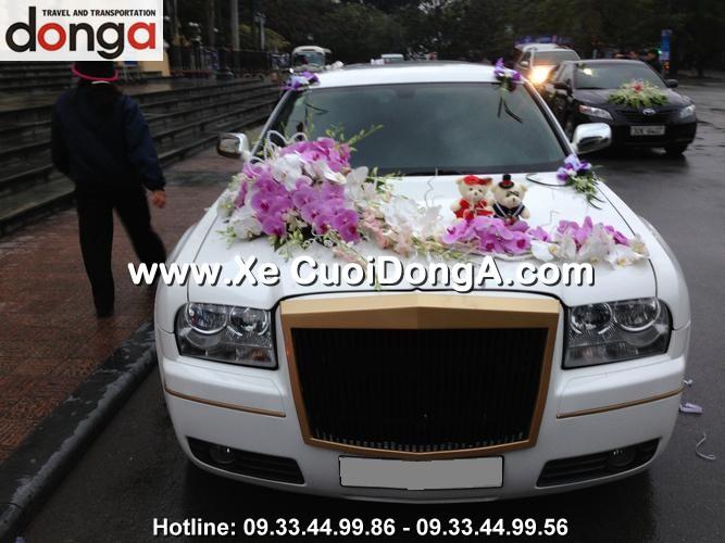 dan-xe-cuoi-chrysler-limousine-300c-trang (2)