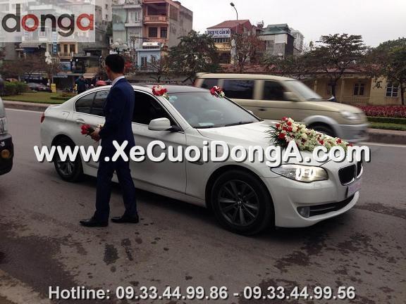 hin-anh-khach-hang-thue-xe-cuoi-bmw-523i-mau-trang-tai-van-cao (5)