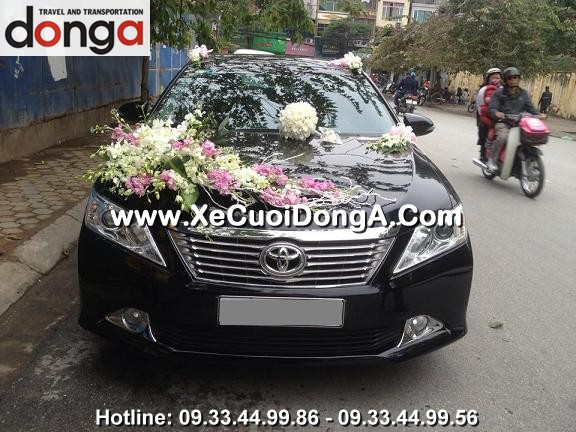 hinh-anh-khach-hang-thue-xe-cuoi-camry-tai-dong-a (11)