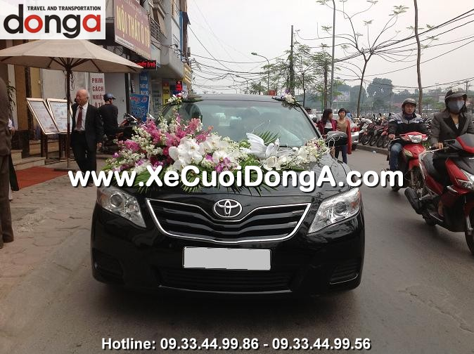 hinh-anh-khach-hang-thue-xe-cuoi-camry-tai-dong-a (14)