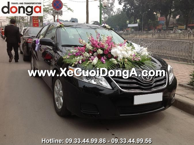 hinh-anh-khach-hang-thue-xe-cuoi-camry-tai-dong-a (15)