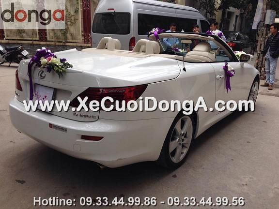 hinh-anh-khach-hang-thue-xe-cuoi-lexus-is250c-mui-tran-tai-hoang-cau (2)
