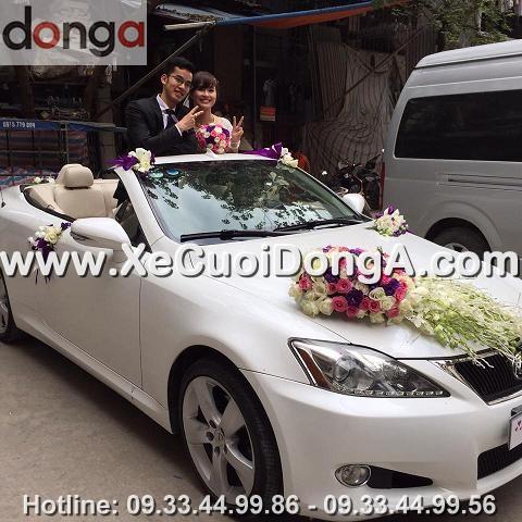 hinh-anh-khach-hang-thue-xe-cuoi-lexus-is250c-mui-tran-tai-hoang-cau (3)