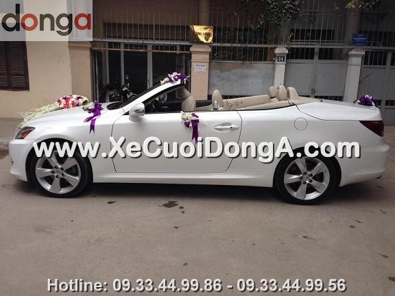 hinh-anh-khach-hang-thue-xe-cuoi-lexus-is250c-mui-tran-tai-hoang-cau (4)