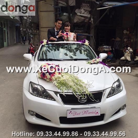 hinh-anh-khach-hang-thue-xe-cuoi-lexus-is250c-mui-tran-tai-hoang-cau (6)