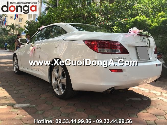 hinh-anh-khach-hang-thue-xe-cuoi-lexus-is250c-mui-tran-tai-huynh-thuc-khang (1)