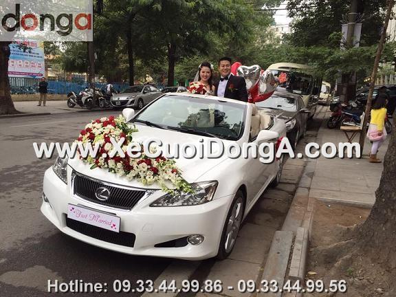 hinh-anh-khach-hang-thue-xe-cuoi-lexus-is250c-mui-tran-tai-khuong-ha (2)