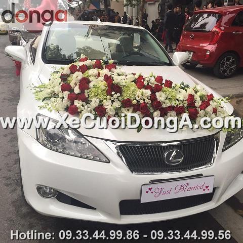 hinh-anh-khach-hang-thue-xe-cuoi-lexus-is250c-mui-tran-tai-khuong-ha (3)