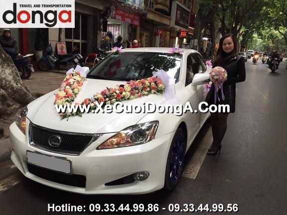 hinh-anh-khach-hang-thue-xe-cuoi-lexus-is250c-mui-tran-tai-phan-dinh-phung (1)