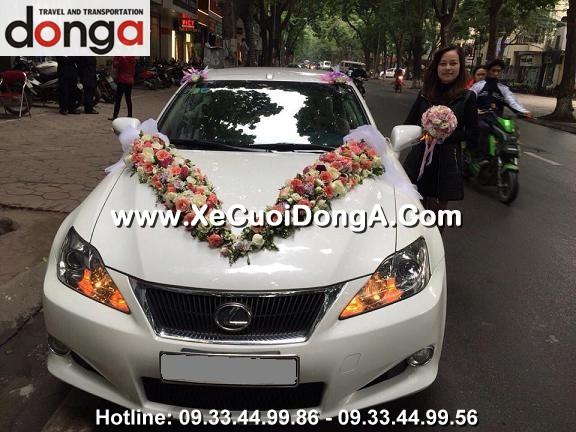 hinh-anh-khach-hang-thue-xe-cuoi-lexus-is250c-mui-tran-tai-phan-dinh-phung (3)