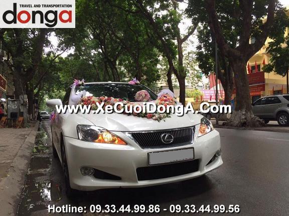 hinh-anh-khach-hang-thue-xe-cuoi-lexus-is250c-mui-tran-tai-phan-dinh-phung (4)
