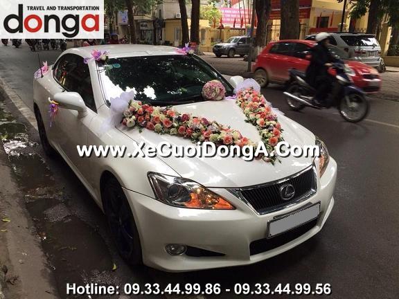 hinh-anh-khach-hang-thue-xe-cuoi-lexus-is250c-mui-tran-tai-phan-dinh-phung (5)
