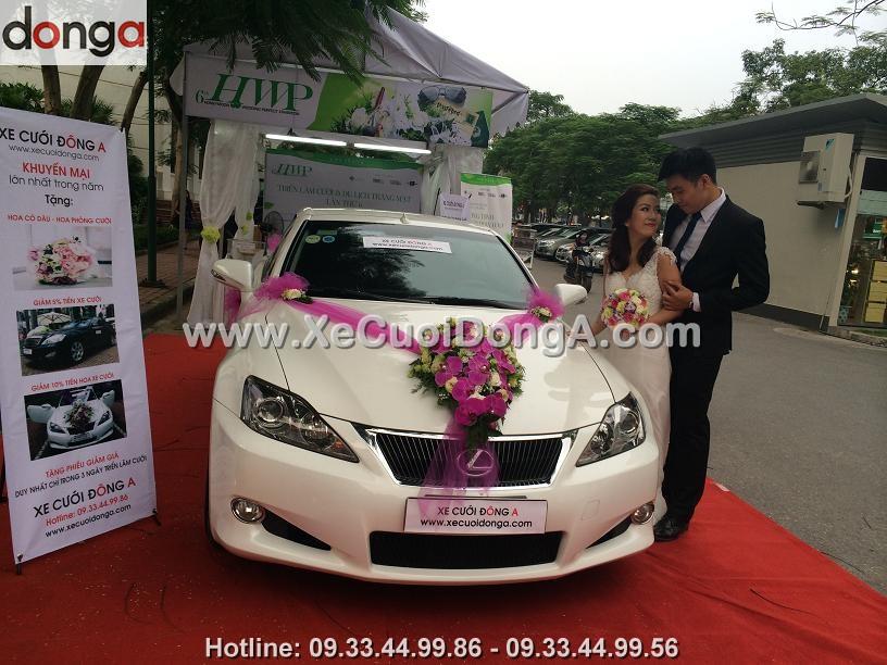 hinh-anh-khach-hang-thue-xe-cuoi-lexus-tai-dong-a (3)