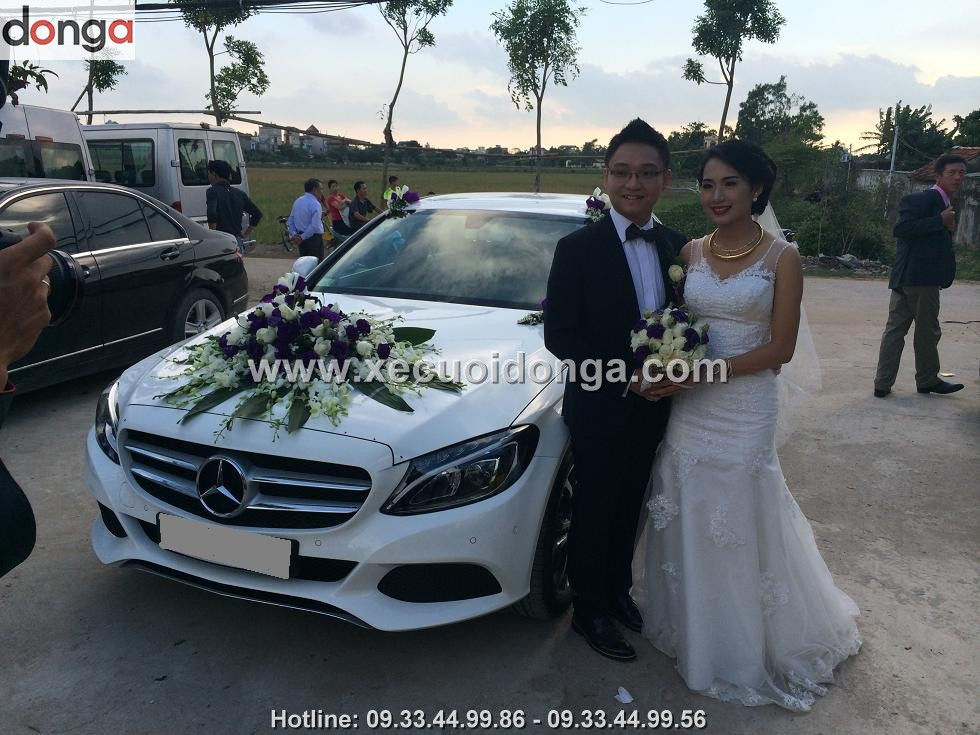hinh-anh-khach-hang-thue-xe-cuoi-mercedes-c200 (1)