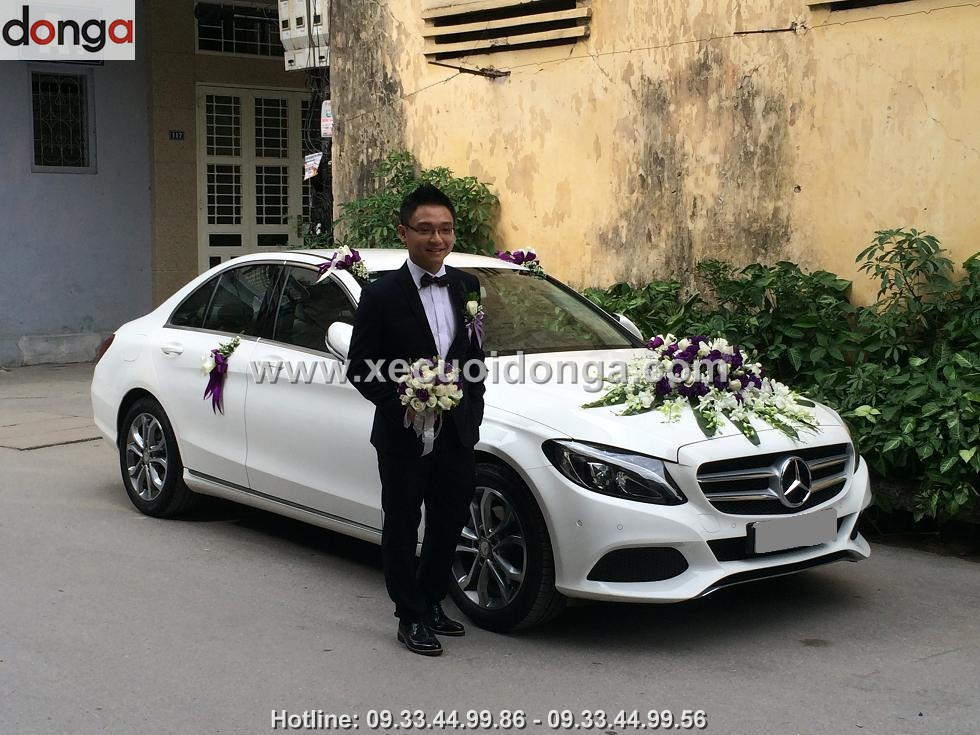 hinh-anh-khach-hang-thue-xe-cuoi-mercedes-c200 (2)