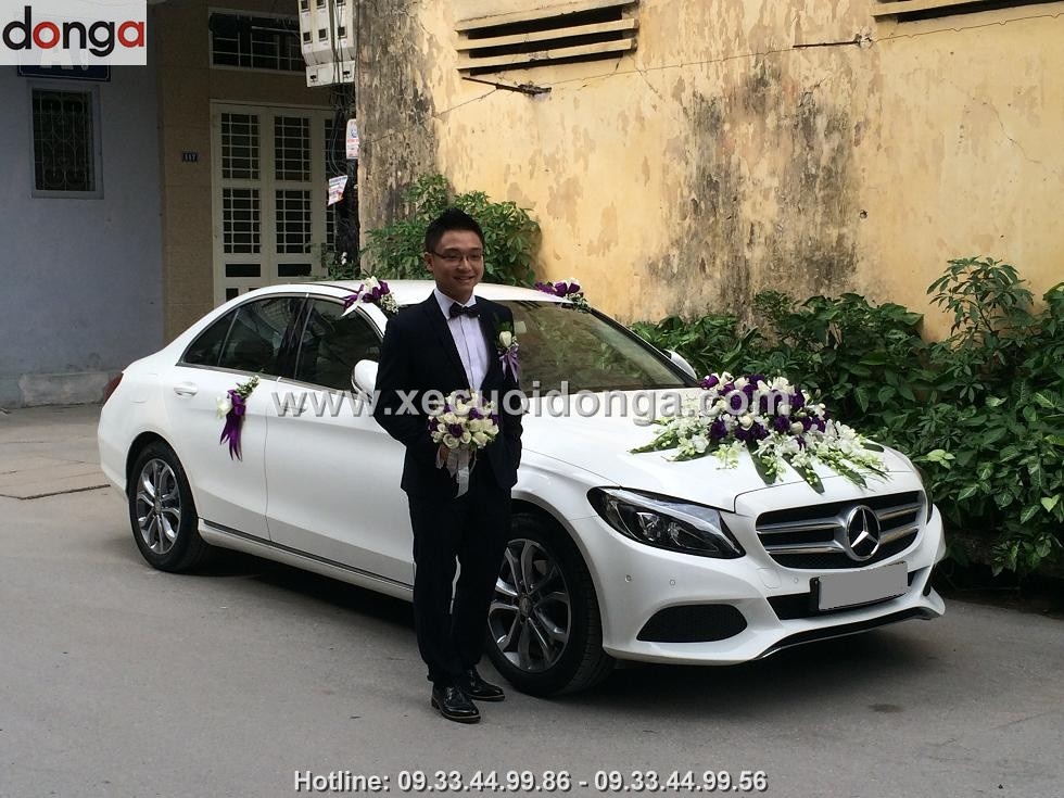 hinh-anh-khach-hang-thue-xe-cuoi-mercedes-c200 (3)