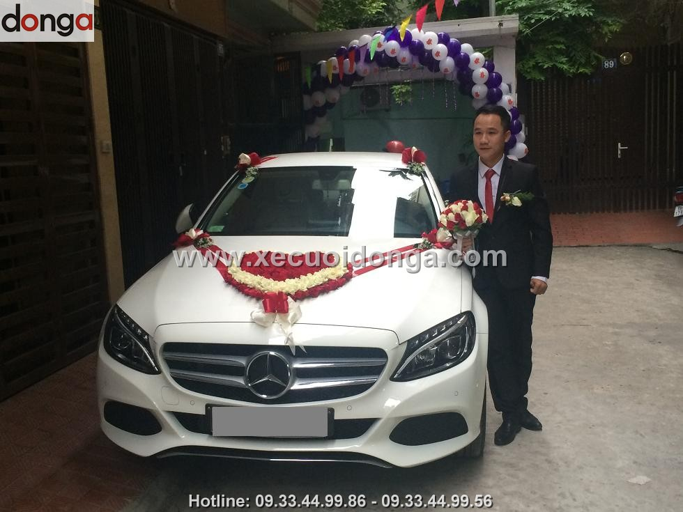 hinh-anh-khach-hang-thue-xe-cuoi-mercedes-c200 (6)