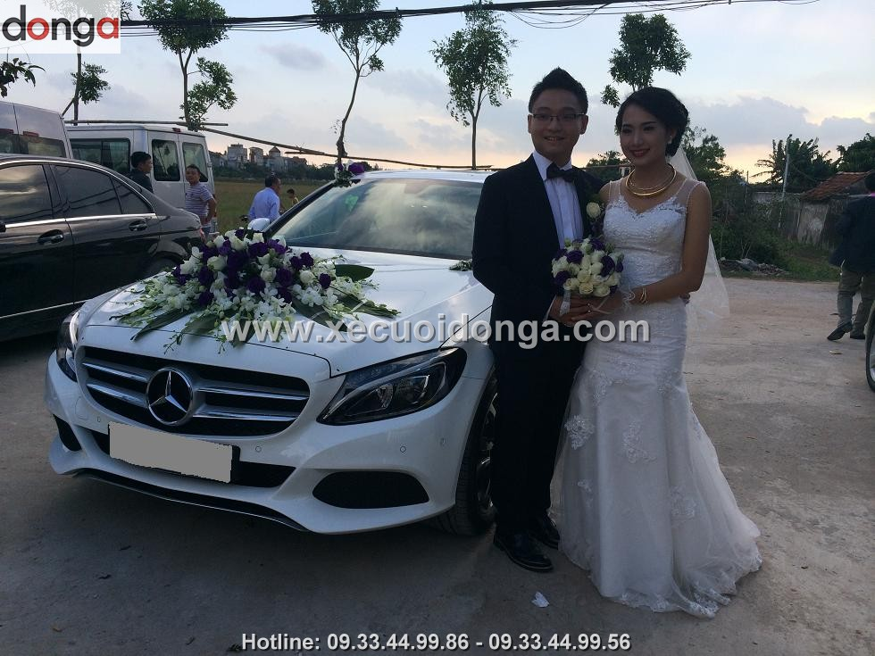 hinh-anh-khach-hang-thue-xe-cuoi-mercedes-c200