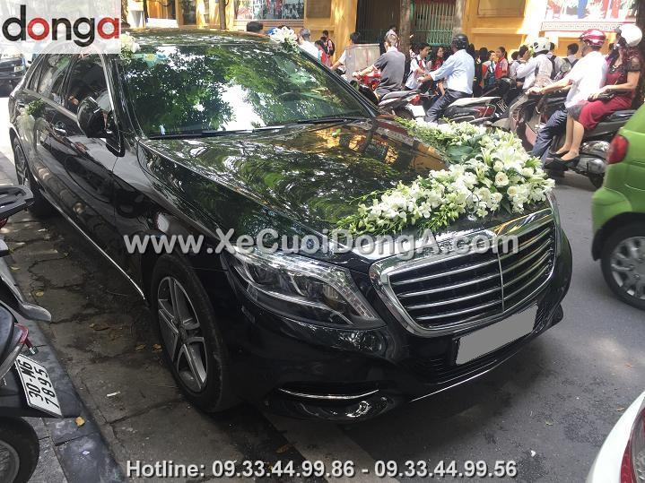 hinh-anh-khach-hang-thue-xe-cuoi-mercedes-s500-tai-hang-cot (1)