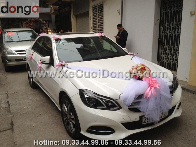 hinh-anh-khach-hang-thue-xe-cuoi-mercedes-tai-cong-ty-dong-a (12)