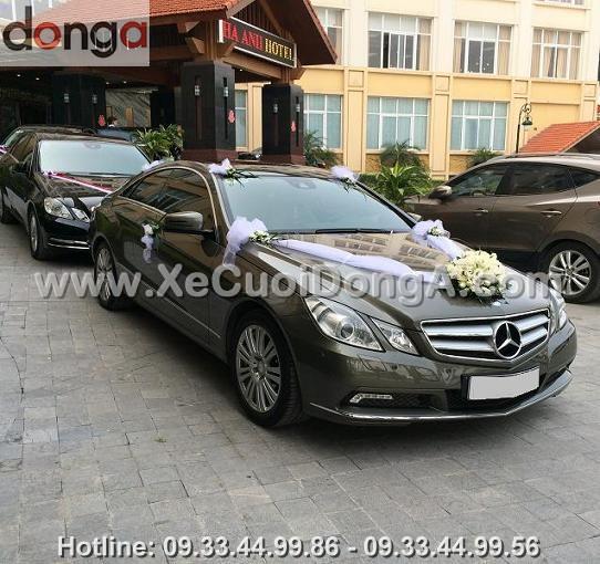 hinh-anh-khach-hang-thue-xe-cuoi-mercedes-tai-cong-ty-dong-a (14)