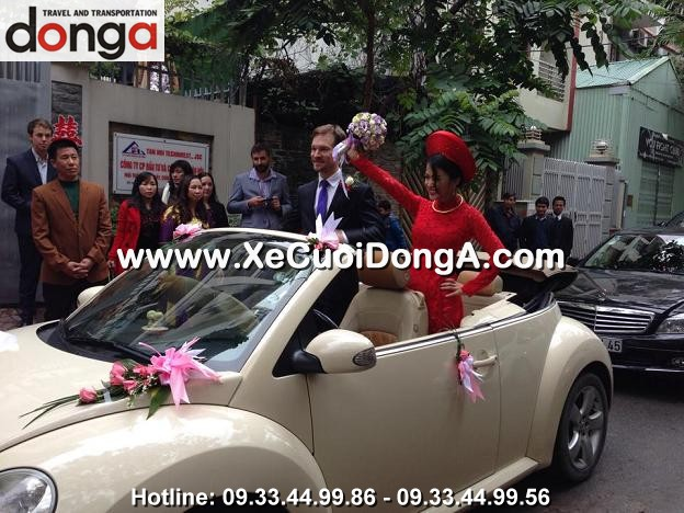 hinh-anh-khach-hang-thue-xe-cuoi-volkswagen-mui-tran-tai-dong-a (22)