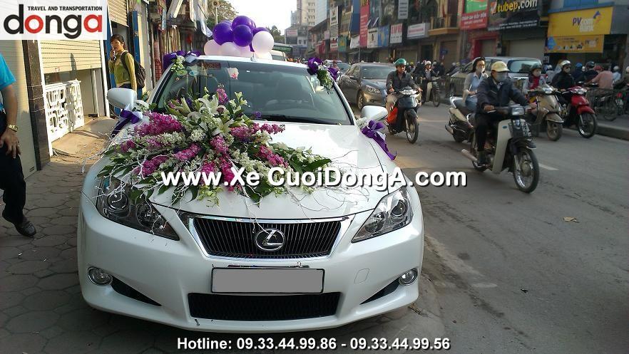 khach-hang-thue-xe-cuoi-lexus-is250c-mui-tran-tai-ton-duc-thang (2)