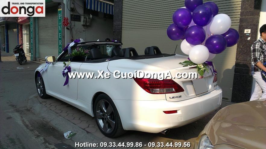 khach-hang-thue-xe-cuoi-lexus-is250c-mui-tran-tai-ton-duc-thang (3)