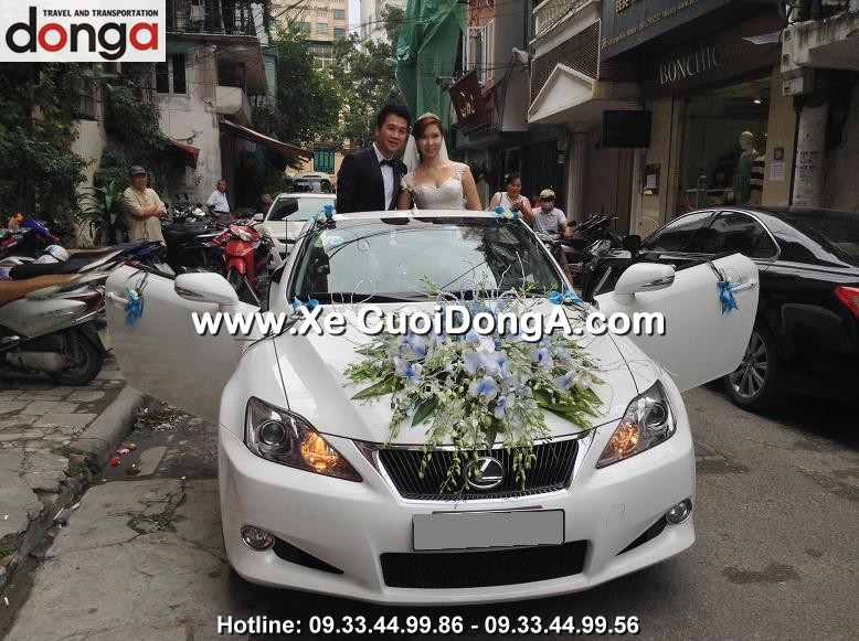 khach-hang-thue-xe-cuoi-lexus-is250c-mui-tran-tai-truong-han-sieu