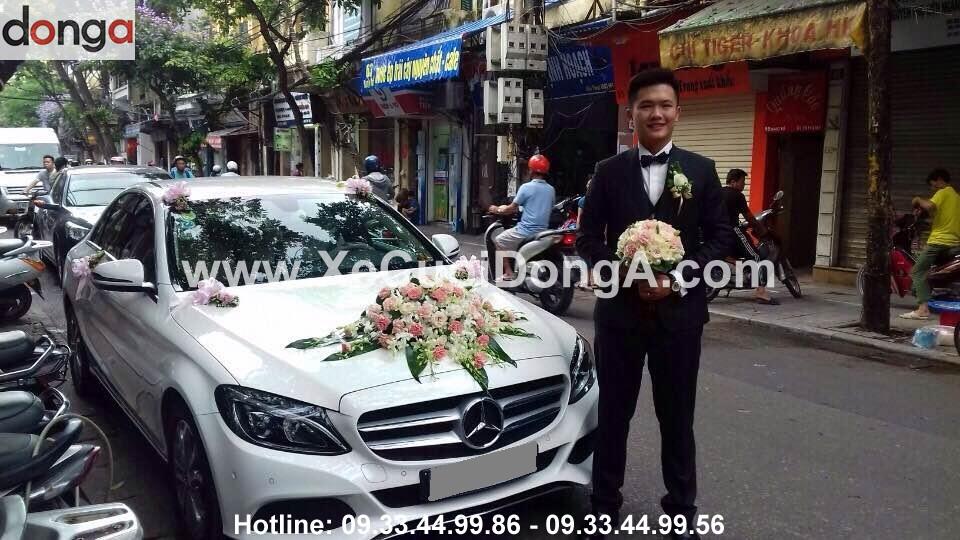khach-hang-thue-xe-cuoi-mercedes-c200-2016