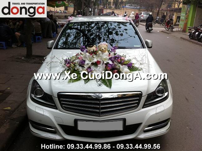 khach-hang-thue-xe-cuoi-mercedes-c250-trang-trung-tu (1)