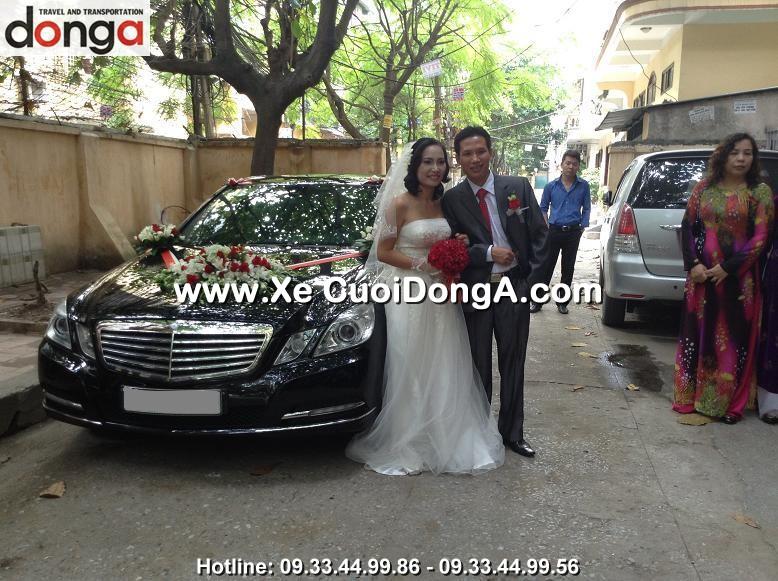 khach-hang-thue-xe-cuoi-mercedes-e300-tai-thai-thinh