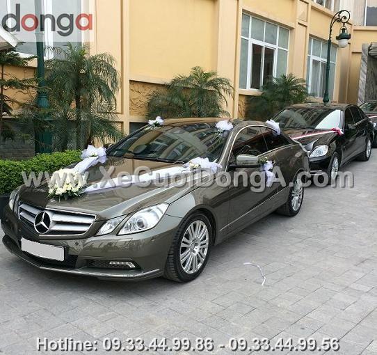 thue-xe-cuoi-mercedes-E400-ha-noi-1