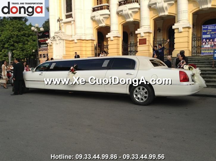 xe-cuoi-limousine-lincoln-trang-hang-bong (1)