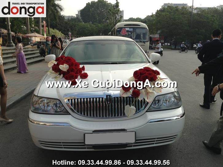 xe-cuoi-limousine-lincoln-trang-hang-bong (2)