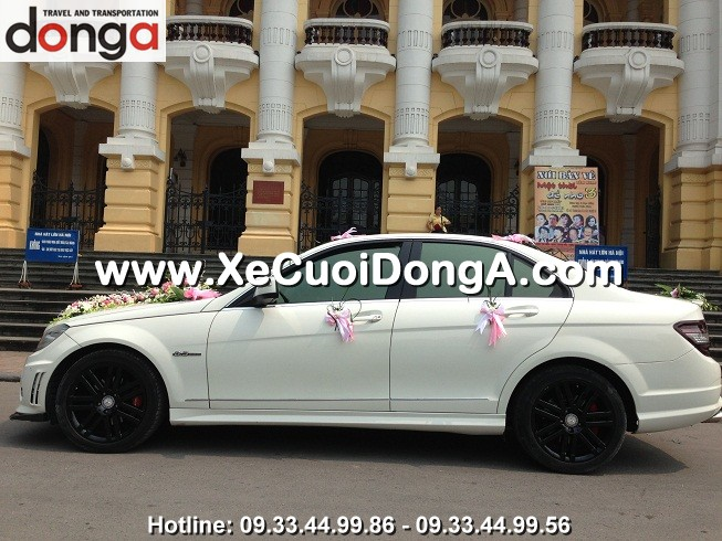 xe-cuoi-mercedes-c63amg-tre-khoe-nang-dong (3)