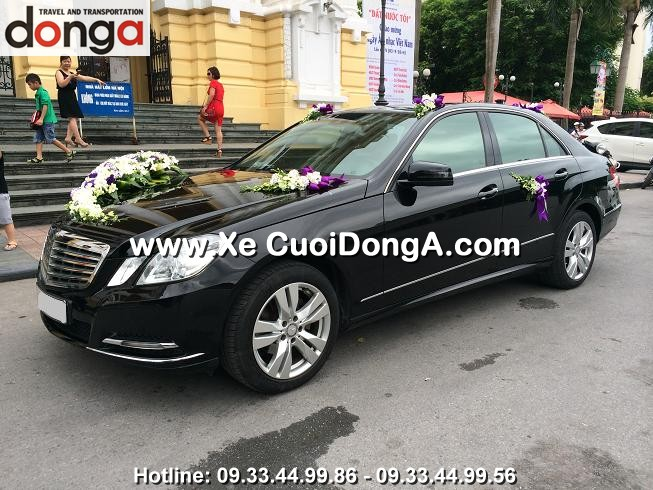 xe-cuoi-mercedes-e300-tai-nha-hat-lon (2)