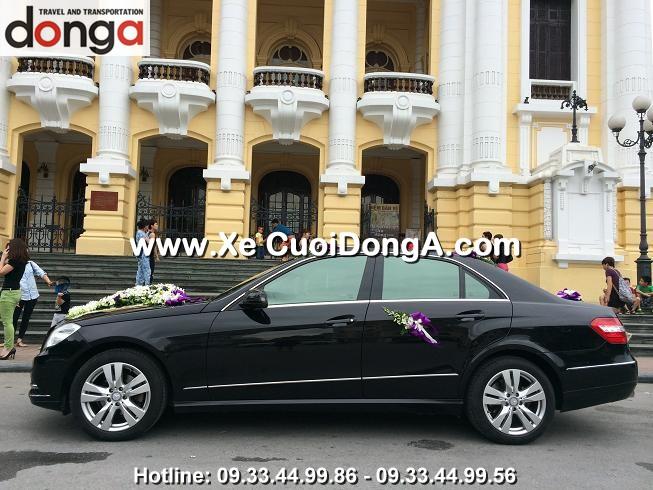 xe-cuoi-mercedes-e300-tai-nha-hat-lon (3)