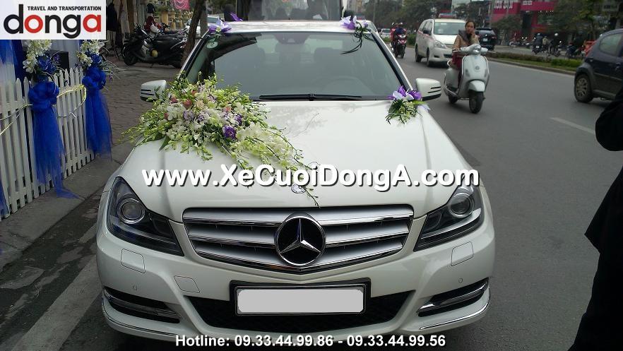 khach-hang-noi-gi-khi-thue-xe-cuoi-mercedes-c250-mau-trang-tai-dong-a (2)